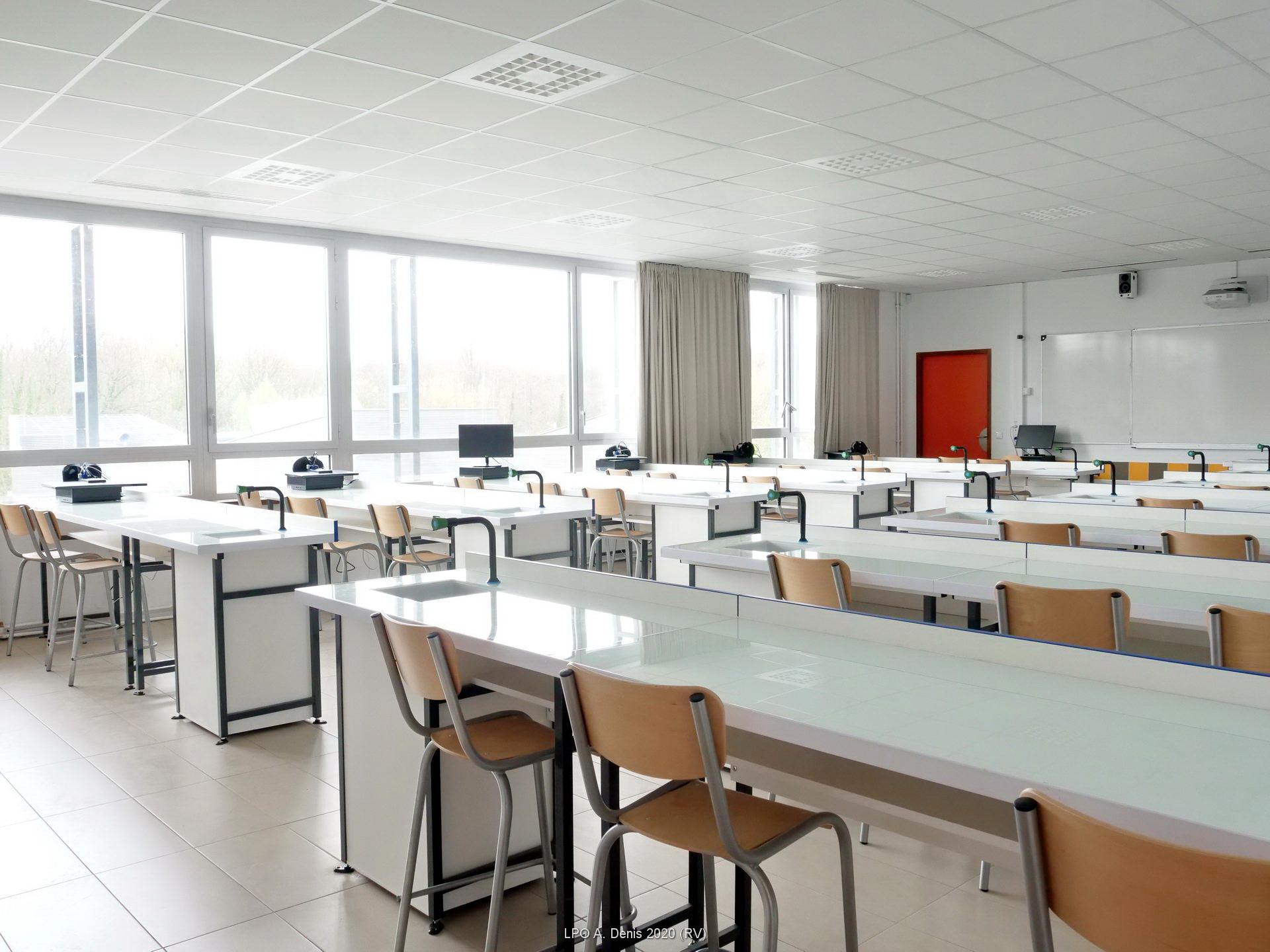 Une des salles de science