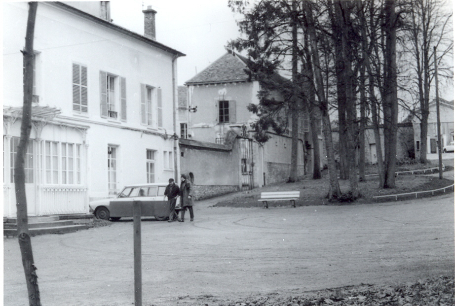 photo ancienne du lycée Alexandre Denis de Cerny